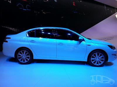 Нажмите на изображение для увеличения.  Название:Peugeot-408-sedan-side-at-Auto-China-2014-1024x768.jpg Просмотров:377 Размер:110.9 Кб ID:15984