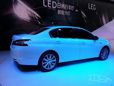 Нажмите на изображение для увеличения.  Название:Peugeot-408-sedan-rear-three-quarters-at-Auto-China-2014-1024x768.jpg Просмотров:400 Размер:126.1 Кб ID:15983
